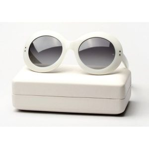 oliver-goldsmith-koko-whiteout